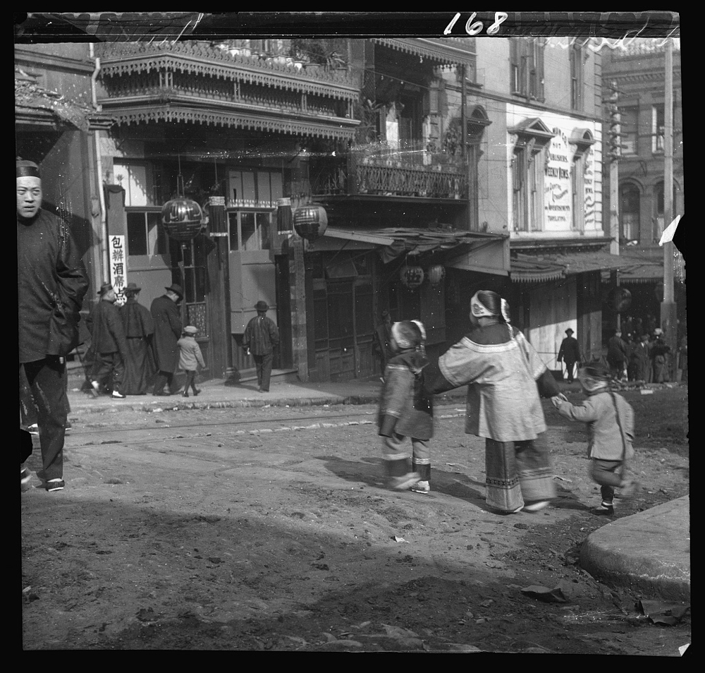 The crossing, Chinatown, San Francisco