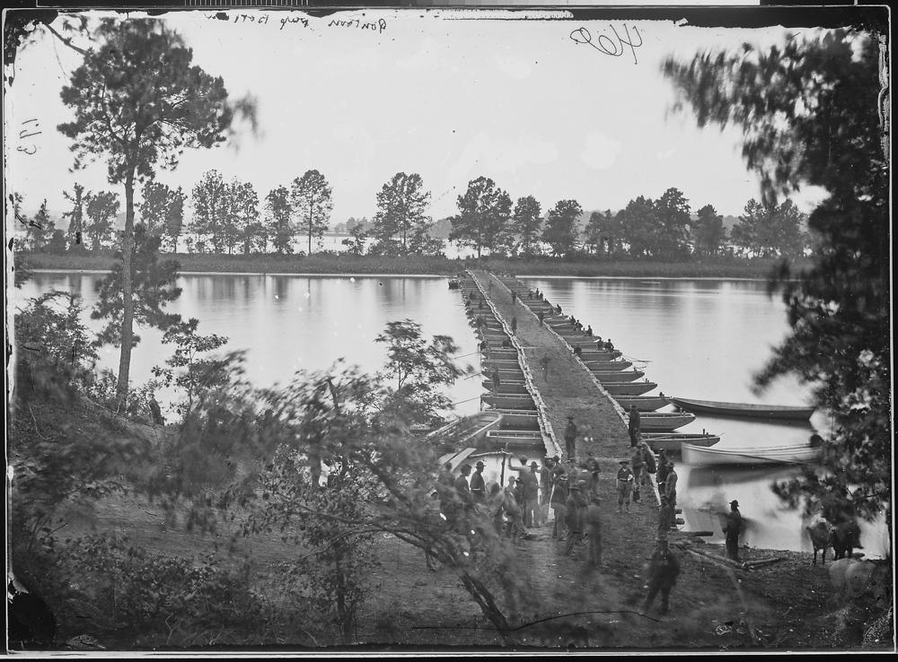 Pontoon bridge, Deep Bottom, James River, Va