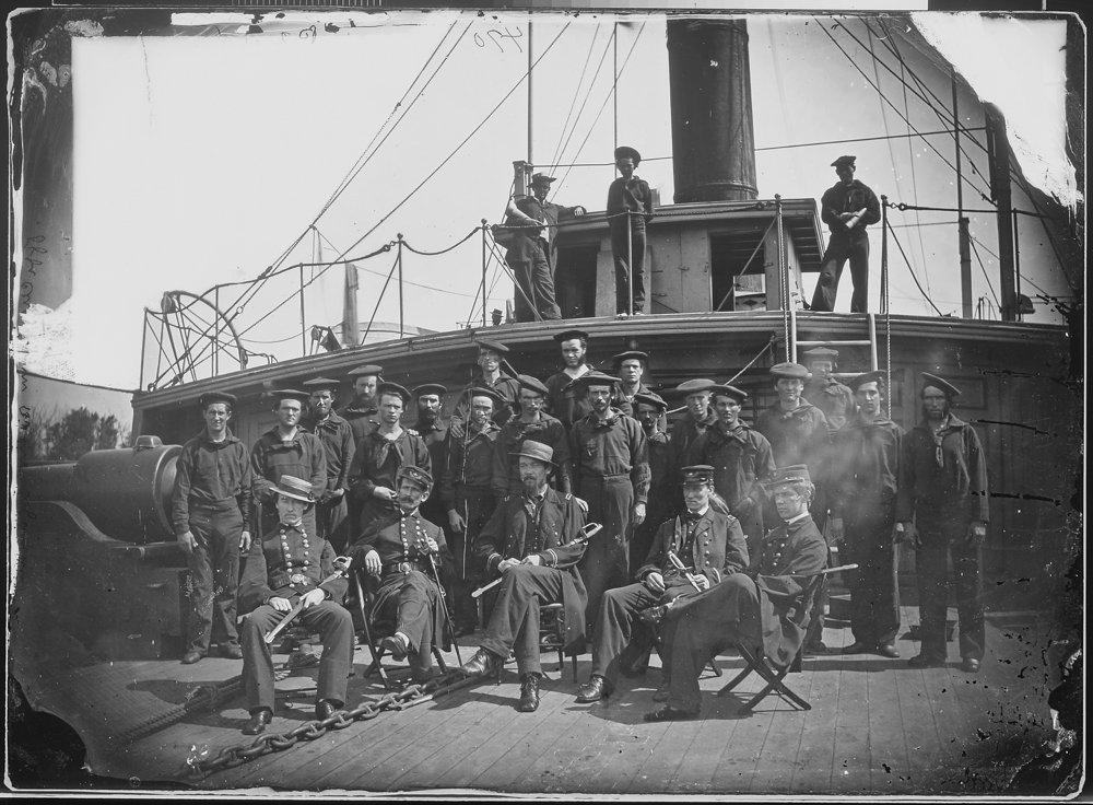 """Gunboat """"Agawan"""", Officers and crew"""