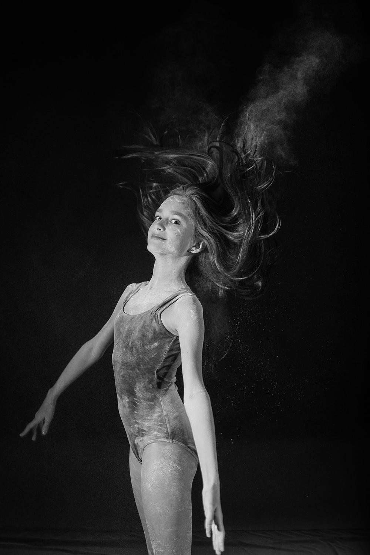 andrei-mihai-cristian-ballerina-on-dance-flour_0003