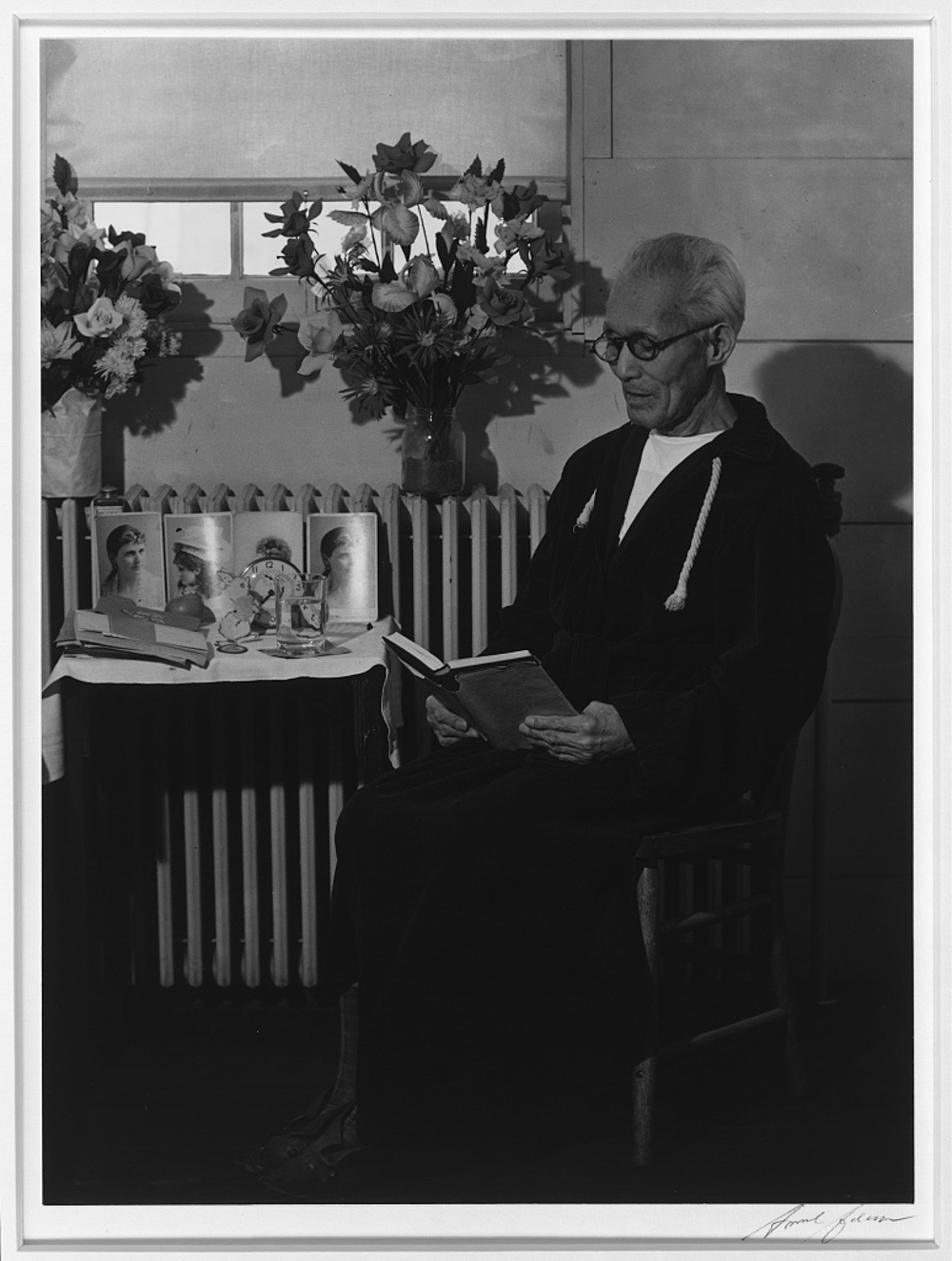 Harry Sumida, in hospital, Manzanar Relocation Center