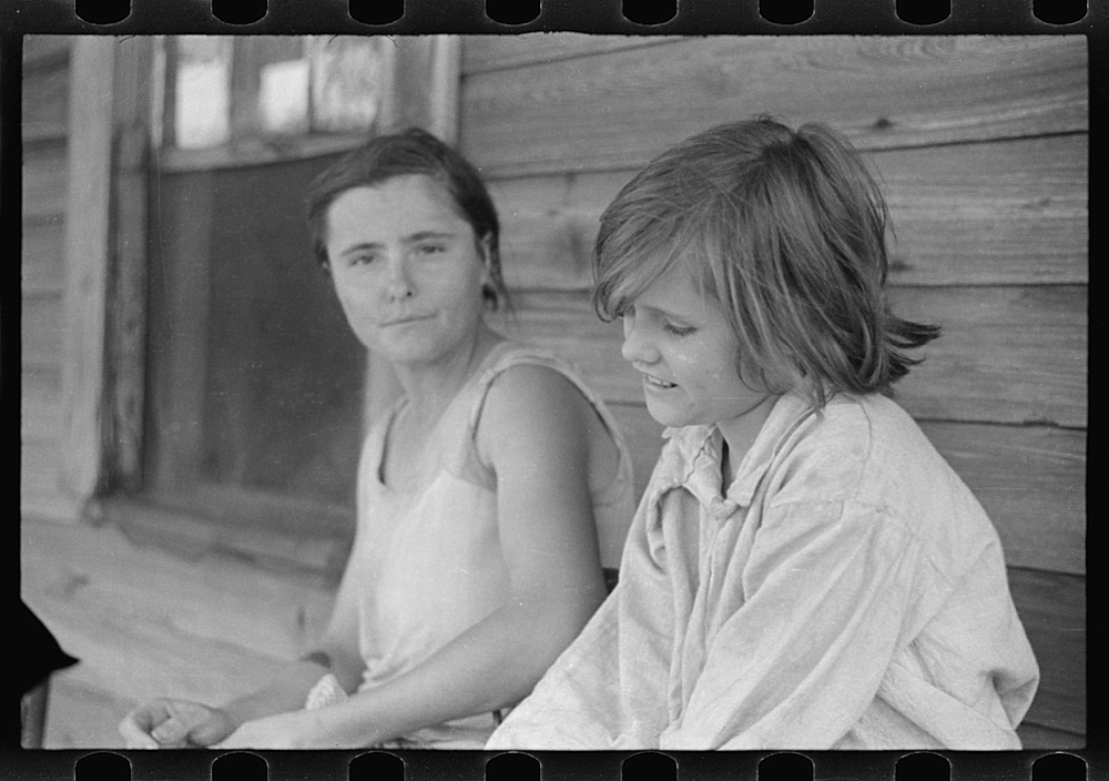 Elizabeth and Ida Tengle, Hale County