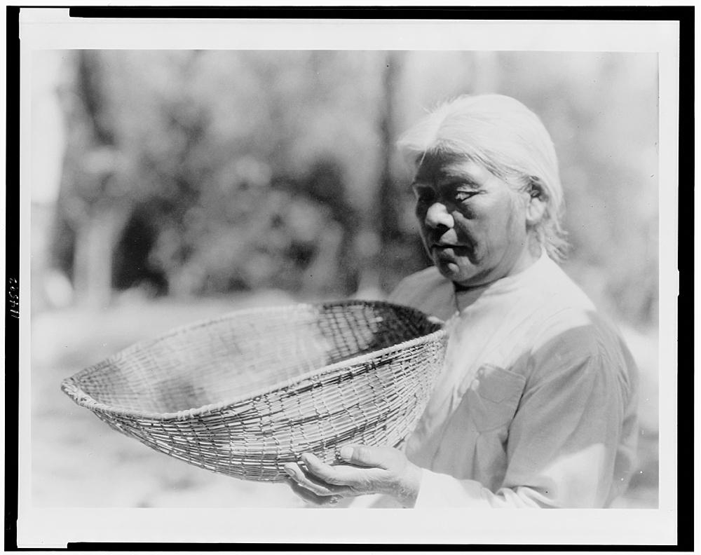Sifting basket--southern Miwok