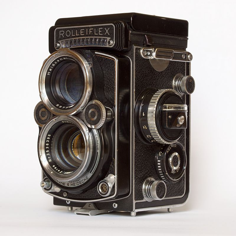 cameras used for famous photographs